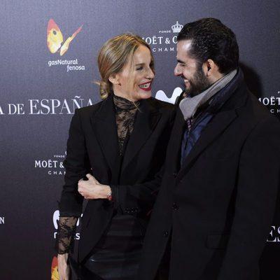 Carola Baleztena y Emiliano Suárez en la premiere de 'La Reina de España' en Madrid