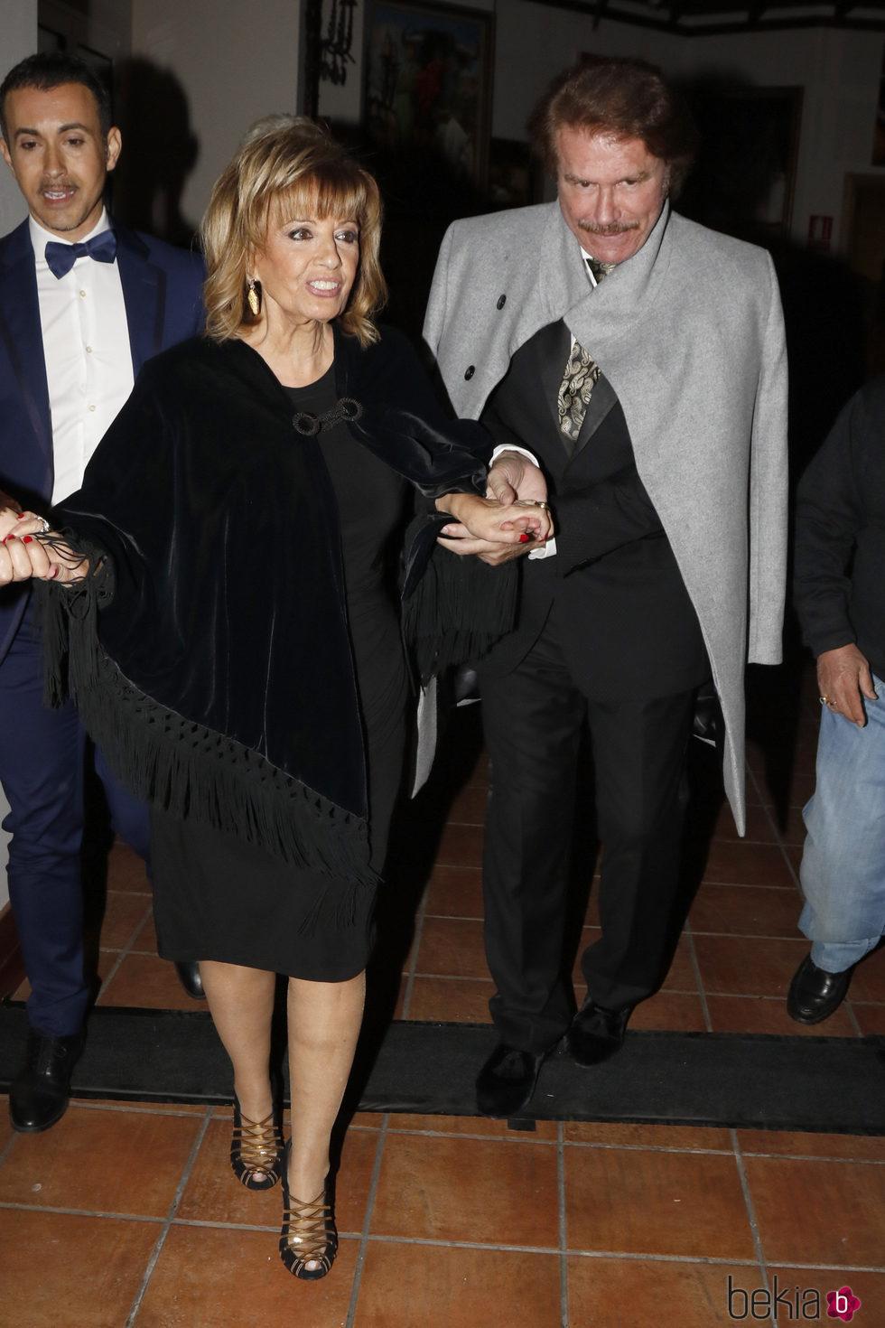 María Teresa Campos y Edmundo Arrocet en los premios de la revista 'Sevilla Magazine'