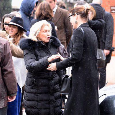 Beatriz de Orleans en el funeral de Charo Palacios, condesa de Montarco