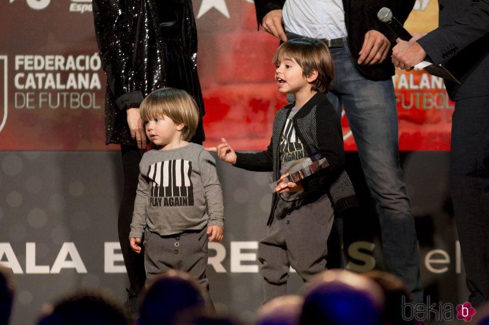 Milan y Sasha Piqué en la gala del Mejor Jugador Catalán