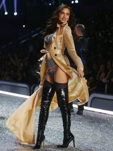Irina Shayk en el Victoria's Secret Fashion Show 2016 en París