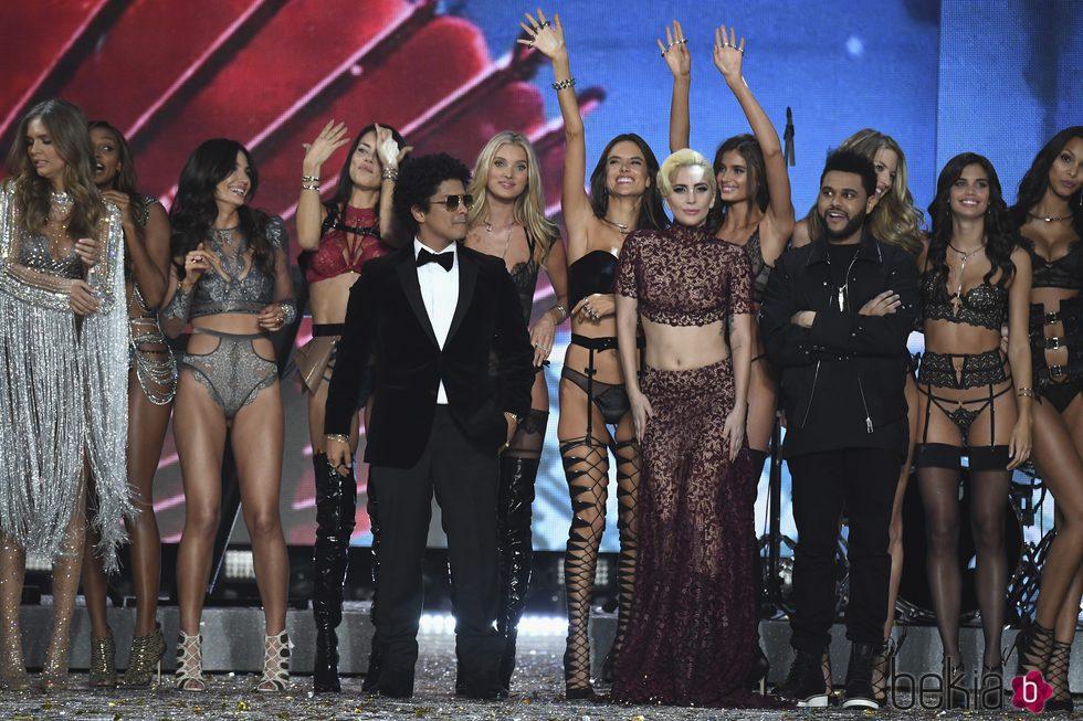 Bruno Mars, The Weekend y Lady Gaga en el Victoria's Secret Fashion Show 2016