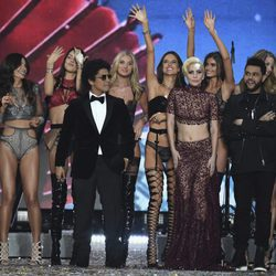 Bruno Mars, The Weekend y Lady Gaga en el Victoria's Secret Fashion Show 2016