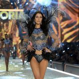 Bella Hadid en el Victoria's Secret Fashion Show 2016