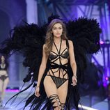 Gigi Hadid en el Victoria's Secret Fashion Show 2016