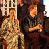 Rihanna y el Príncipe Harry en el concierto por el 50 aniversario de la independencia de Barbados