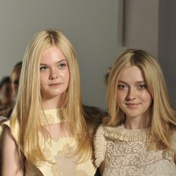 Elle y Dakota Fanning en la Mercedes Benz Fashion Week 2011