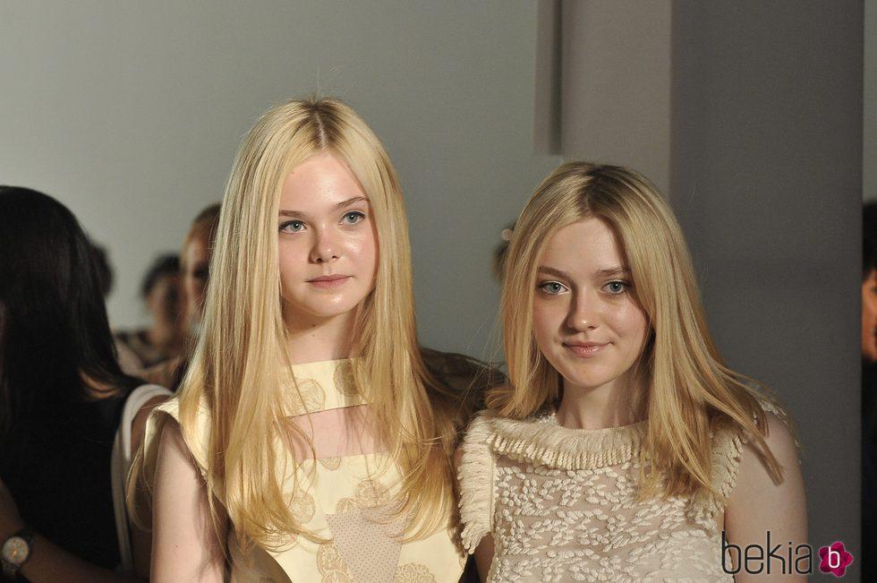 Elle y Dakota Fanning en la Mercedes Benz Fashion Week 2011