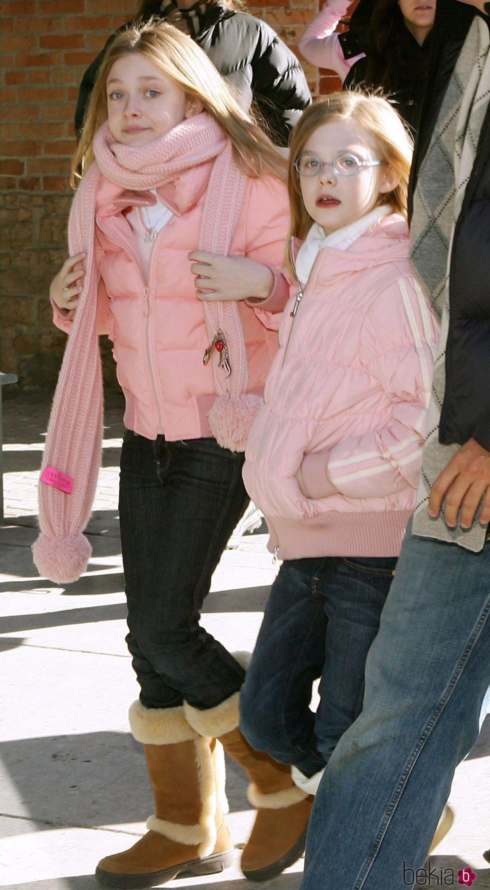 Dakota y Elle Fanning en un festival de cine en 2007