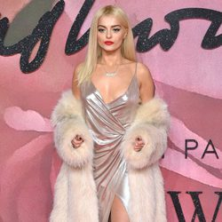 Bebe Rexha en los British Fashion Awards 2016