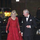 El Príncipe Carlos y Camilla Parker Bowles en la Royal Variety Performance 2016