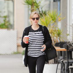 Amanda Seyfried luciendo tripita por Los Angeles