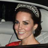 Kate Middleton con tiara de camino a la recepción al Cuerpo Diplomático en Buckingham Palace