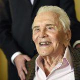 Kirk Douglas celebra su 100 cumpleaños