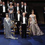 Los Reyes de Suecia, la Princesa Victoria y el Príncipe Daniel en los Nobel 2016