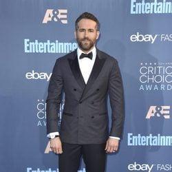 Ryan Reynolds en los Critics' Choice Awards 2017