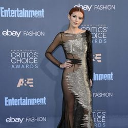 Bella Thorne en los Critics' Choice Awards 2017