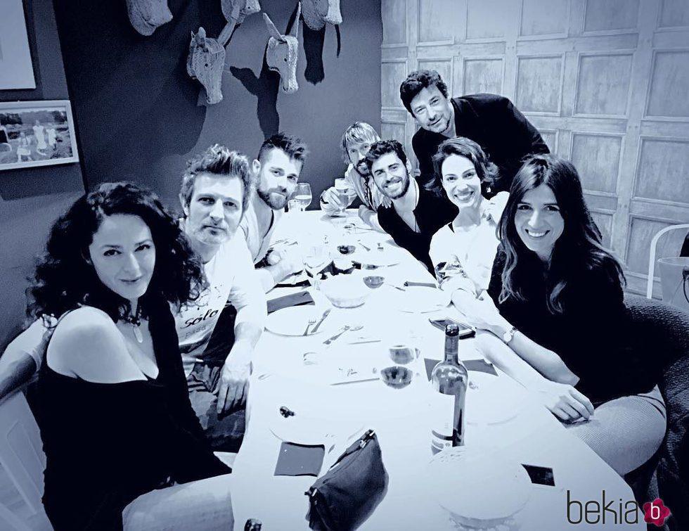 Varios de los actores de 'Hospital Central' comparten mesa