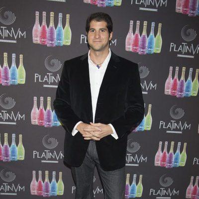 Julián Contreras acude a la Presentación de las bebidas con fragancias Platinum