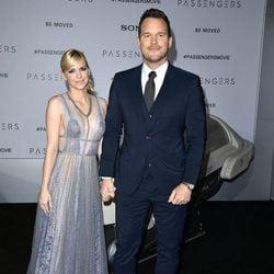 Chris Pratt y Anna Faris, cogidos de la mano en la premiere de 'Passengers'