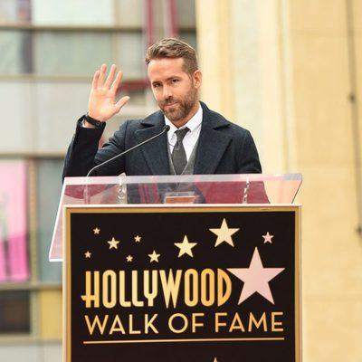 Ryan Reynolds durante su discurso recibiendo la estrella del Paseo de la Fama de Hollywood