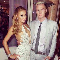 Barron Hilton y Paris Hilton en un evento