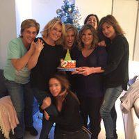 Chelo García Cortés, Mila Ximénez, Lydia Lozano, Terelu Campos, Gema López y María Patiño de cena
