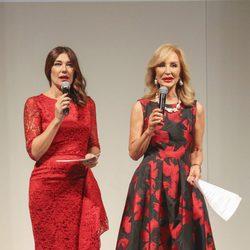 Raquel Revuelta y Carmen Lomana presentando el desfile de Tony Fernández