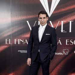 Miguel Ángel Silvestre en la fiesta por el final de 'Velvet'