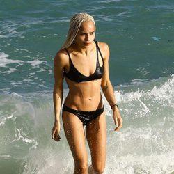 Zoe Kravitz luciendo cuerpo en Miami