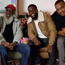 Kevin Hart, Dick Gregory y Duane Martin visitan a Nick Cannon