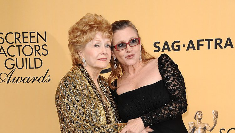 Debbie Reynolds y Carrie Fisher en el Annual Screen Actors Guild Awards 2015