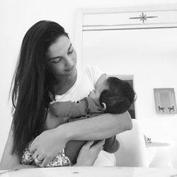 Natalia Jiménez junto a su hija Alessandra