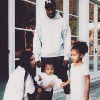 Kim Kardashian, Kanye West, North West y Saint West muy unidos