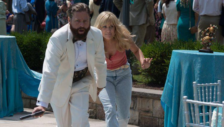 Zach Galifianakis y Kristen Wiig en 'De-mentes criminales'