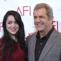 Mel Gibson y su novia Roselind Ross en los AFI Awards 2017