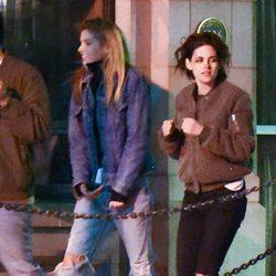 Kristen Stewart y Stella Maxwell saliendo de un billar en Georgia
