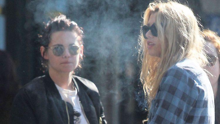 Kristen Stewart y Stella Maxwell por las calles de Los Ángeles