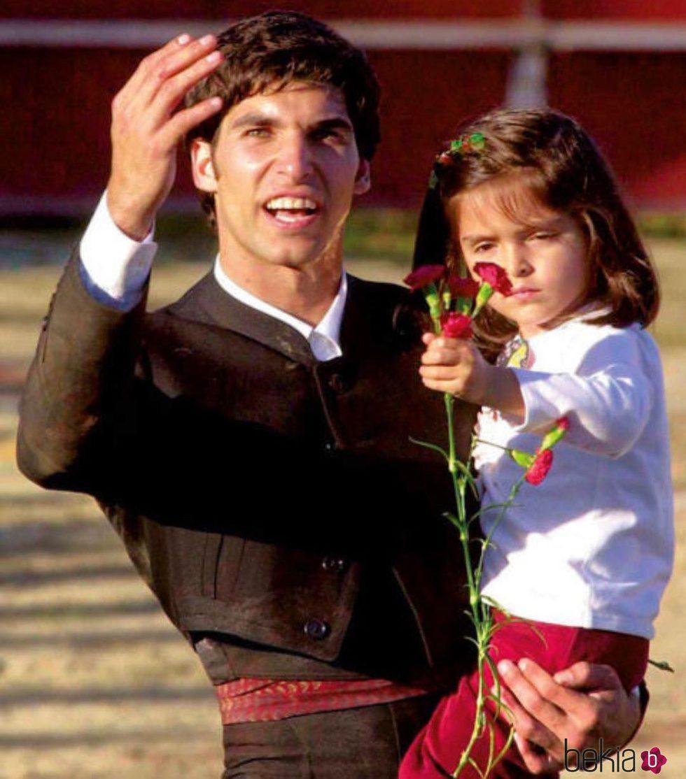 Cayetano rivera junto a su hija adoptiva luc a bekia for Hija cayetano rivera
