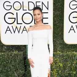 Thandie Newton en la alfombra roja de los Globos de Oro 2017