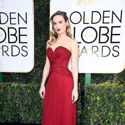 Brie Larson en la alfombra roja de los Globos de Oro 2017