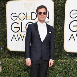 Michael Shannon en la alfombra roja de los Globos de Oro 2017