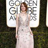 Emma Stone en la alfombra roja de los Globos de Oro 2017