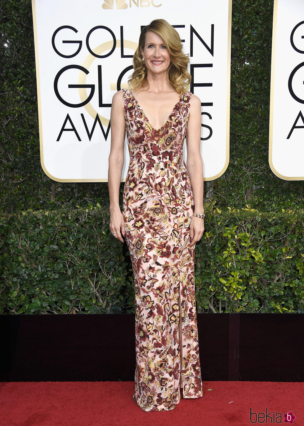 Laura Dern en la alfombra roja de los Globos de Oro 2017