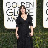 Monica Bellucci en la alfombra roja de los Globos de Oro 2017