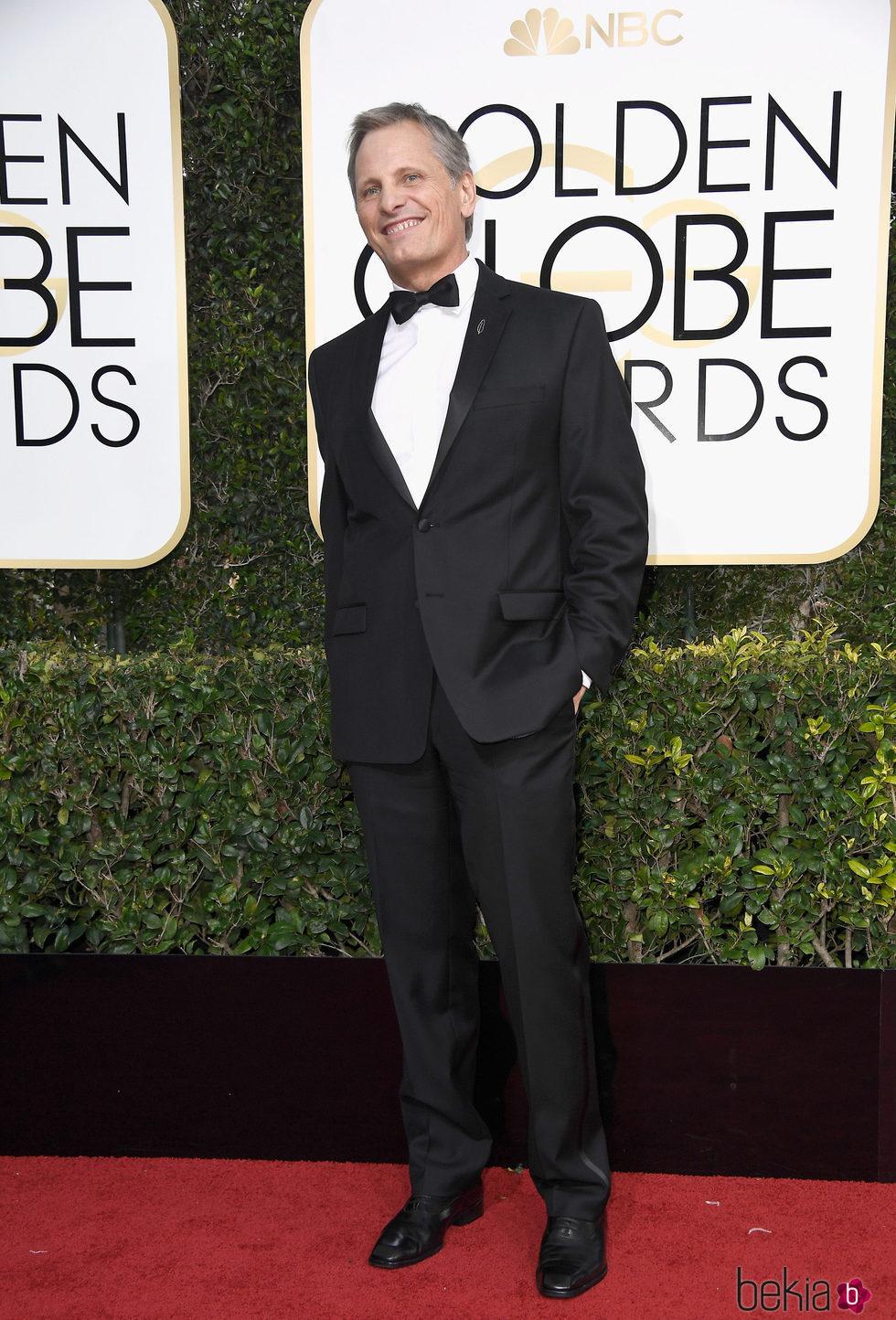 Viggo Mortensen en la alfombra roja de los Globos de Oro 2017