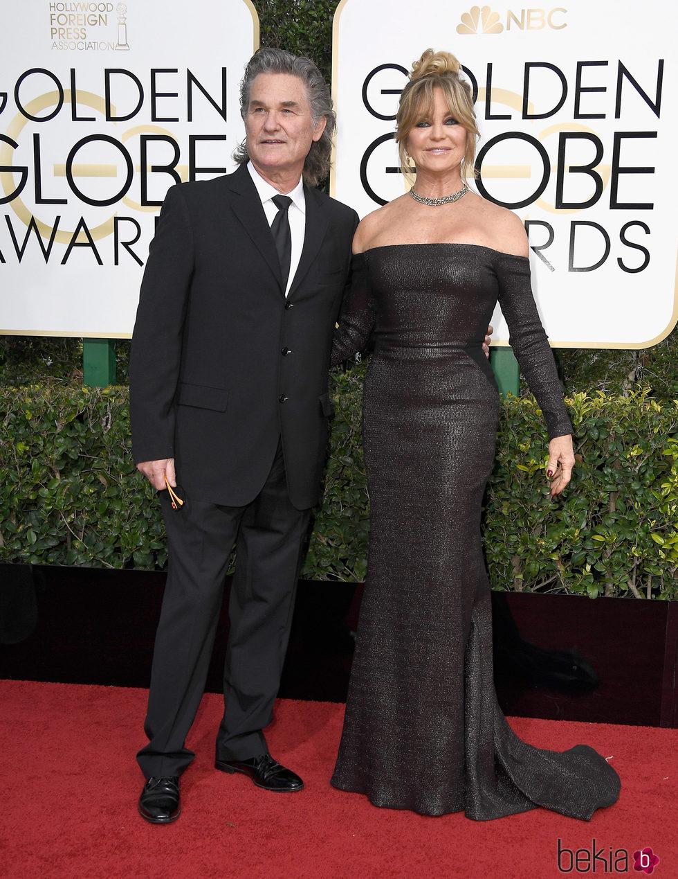 Kurt Russell y Goldie Hawn en la alfombra roja de los Globos de Oro 2017