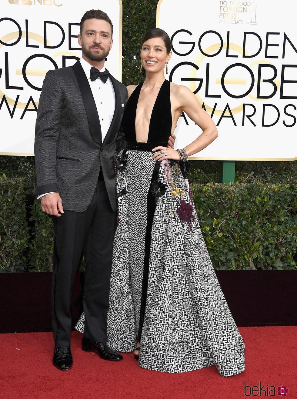 Justin Timberlake y Jessica Biel en la alfombra roja de los Globos de Oro 2017
