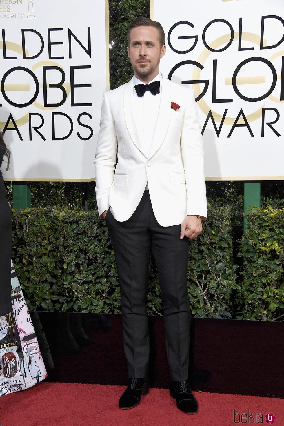 Ryan Gosling en la alfombra roja de los Globos de Oro 2017