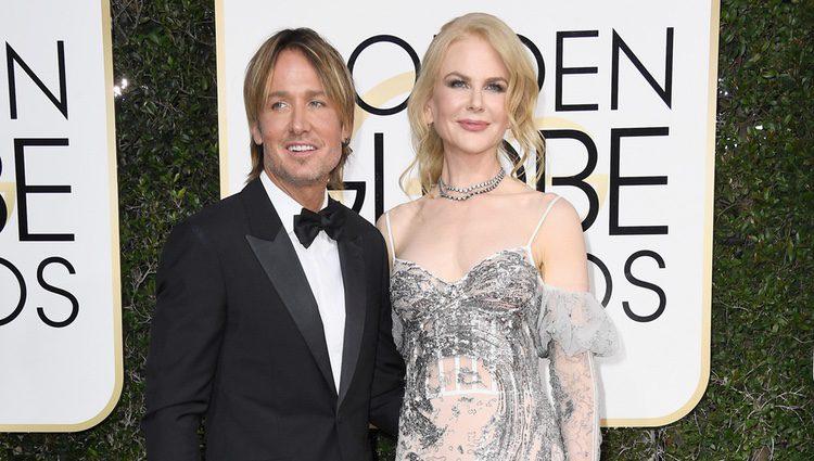 Nicole Kidman y Keith Urban en la alfombra roja de los Globos de Oro 2017